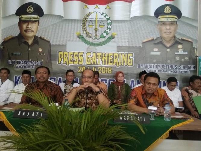 Hingga Pertengahan Tahun Kajati Terima 2.388 SPDP Pidana Umum