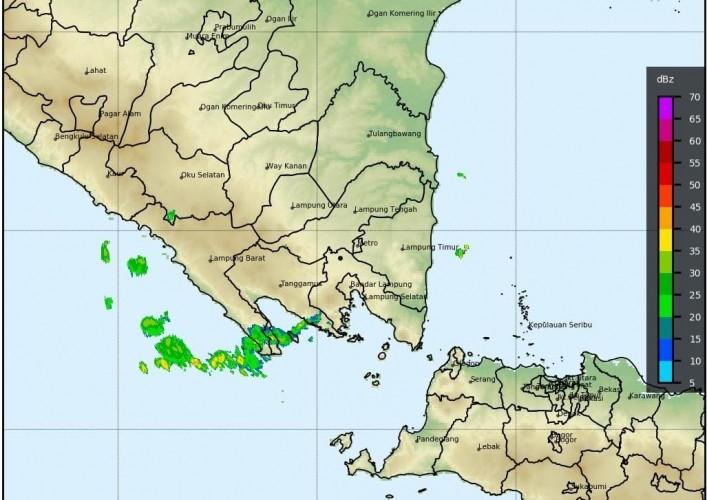 Hujan Lebat dan Angin Kencang masih Ancam Lampung Seminggu ke Depan