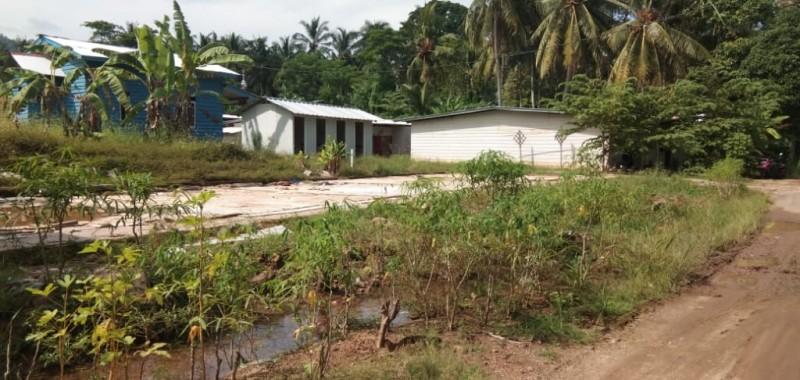 Huntara di Desa Kunjir Mulai Dibongkar