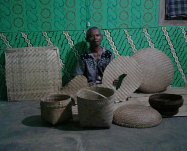 <i>Asa Meraup Rupiah dari Anyaman Bambu</i>