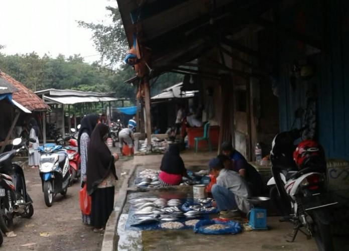 <i>Kegalauan Pedagang di Tengah Ancaman Wabah Korona</i>