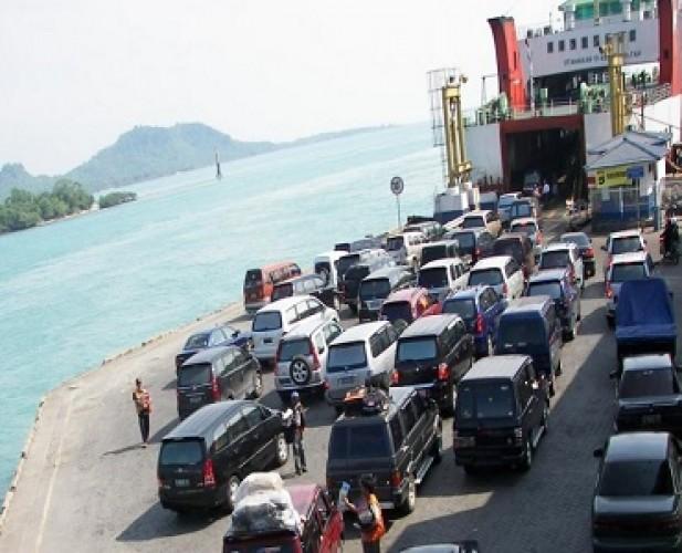 <i>Long Weekend</i> HUT RI Arus Penumpang dan Kendaraan ke Sumatera Meningkat
