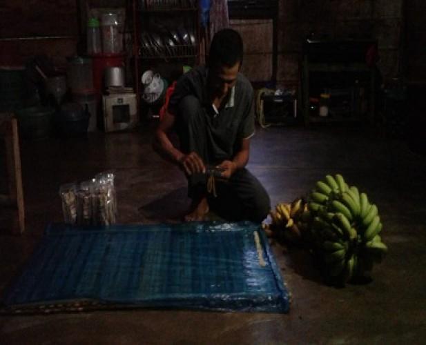 <i>Menjemput Rezeki Dari Legitnya Keripik Sale Pisang Apu</i>
