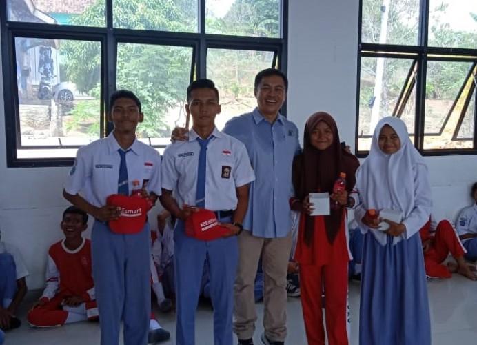 <i>Mobile Coke Tour</i> Bangun Energi Positif Siswa SMKN 9 Bandar Lampung