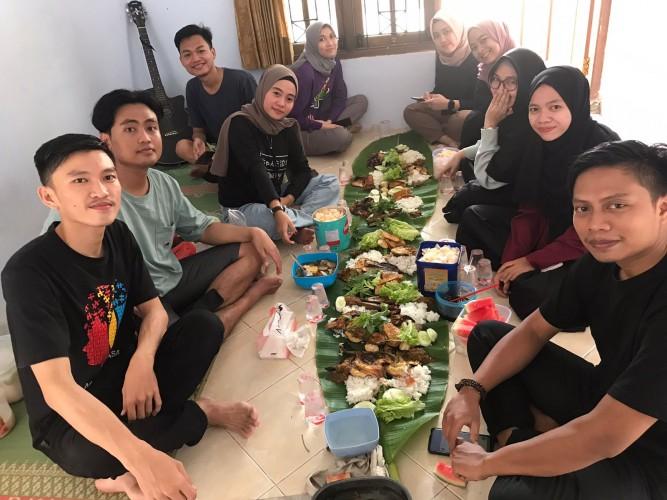 <i>Nyeruit</i> Jadi Obat Rindu Mahasiswa Asal Lampung di Yogya