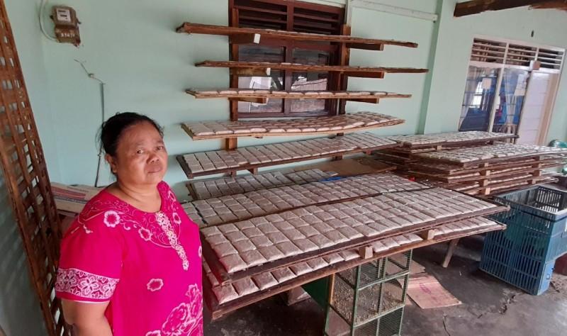 <i>Susah Payah Penjual Tempe di Gunungsulah pada Masa Pandemi </i>