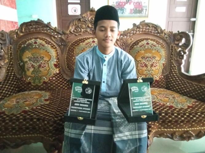 Ibu Jadi Sosok Inspiratif Yatim Riyadhus Solihin Raih Penghargaan 4 Negara