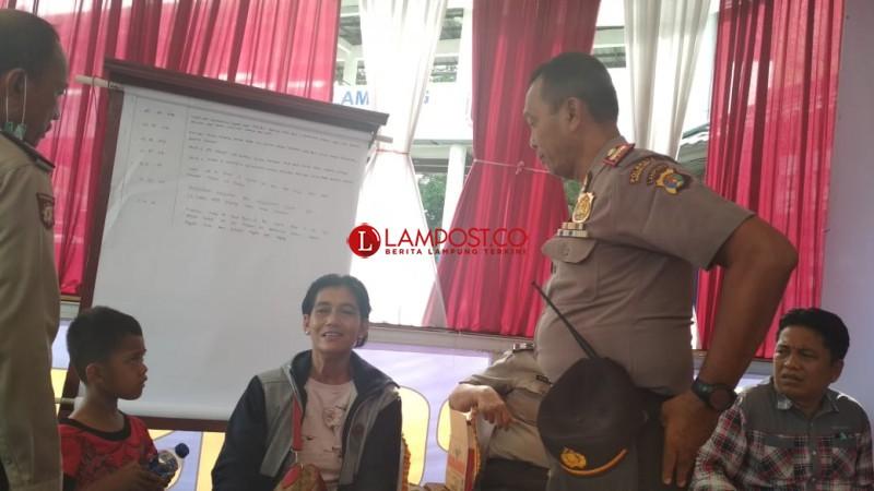 Ibu Muda Kehabisan Ongkos Mengadu di Pos Pelayanan Rajabasa