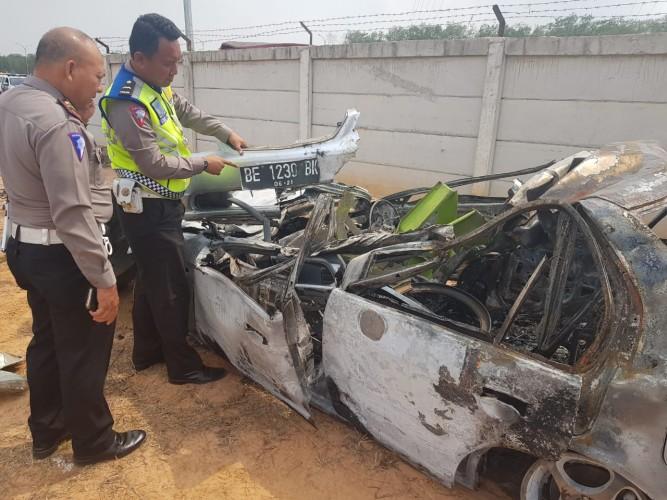 Identitas Korban Kecelakaan Maut Tol KM 96