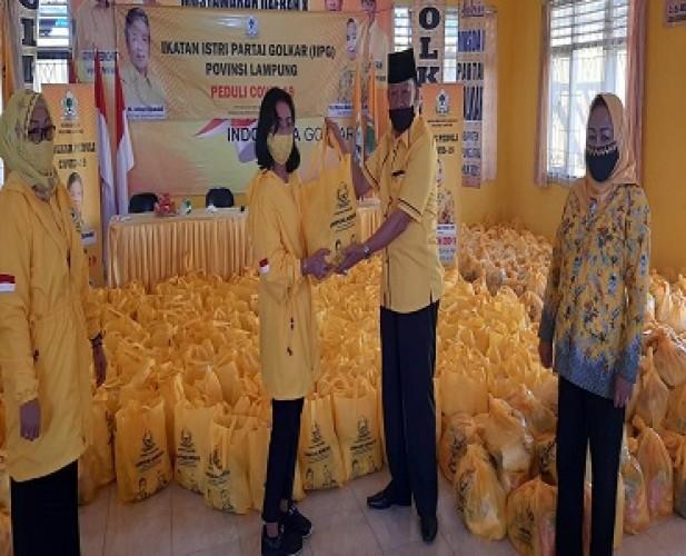 IIPG Lampung Salurkan 600 Paket Sembako ke Partai Golkar Lampura