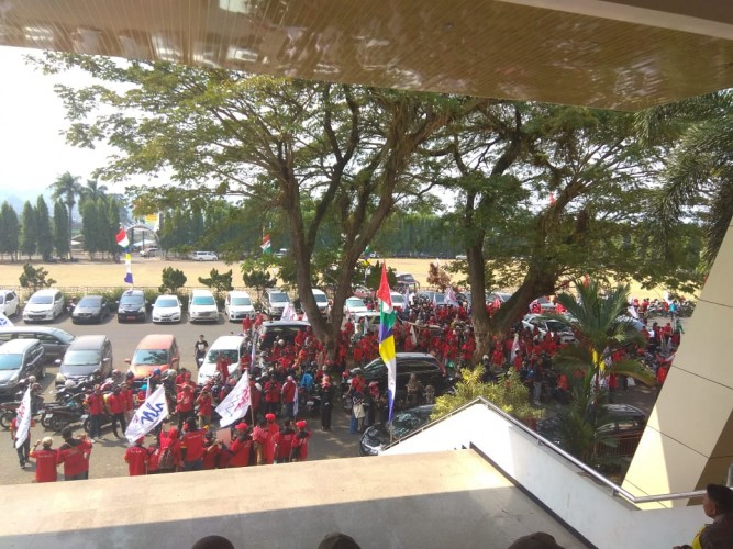 Ikut Demo Buruh, WNA Asal Australia Ini Dideportasi