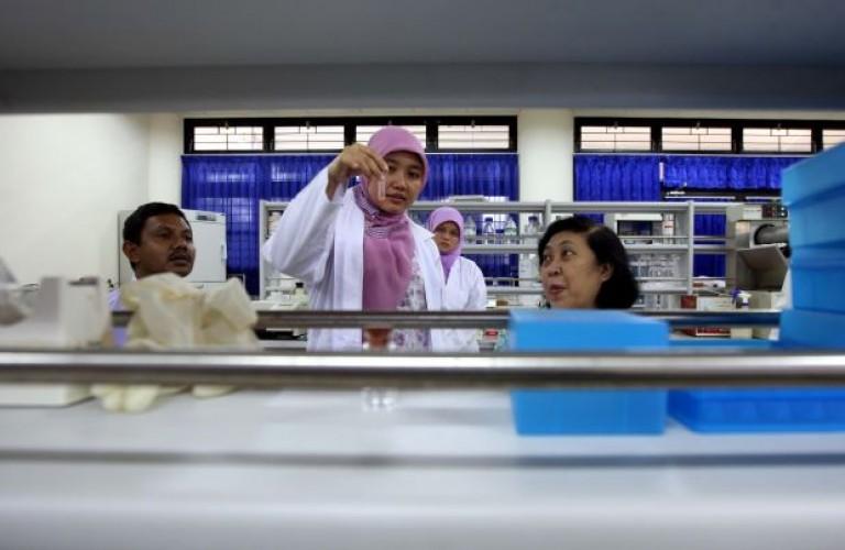 Ilmuwan Indonesia dan Inggris Bersatu Melawan Korona