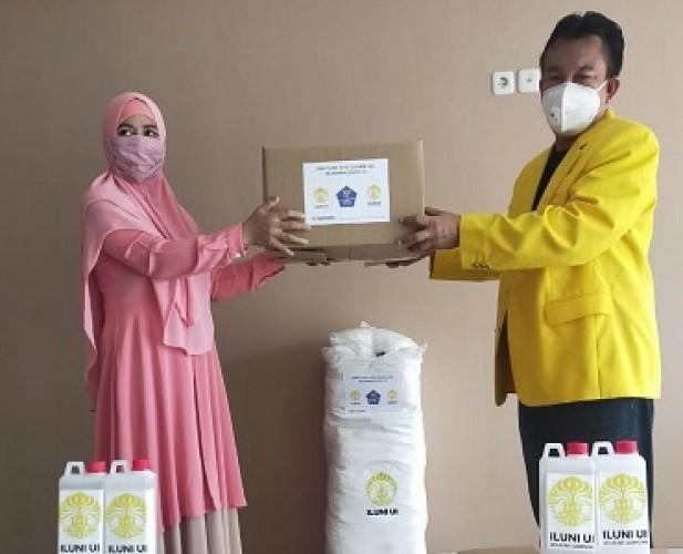 Iluni UI Lampung Terus <i>Support</i> Tenaga Kesehatan Lawan Covid-19