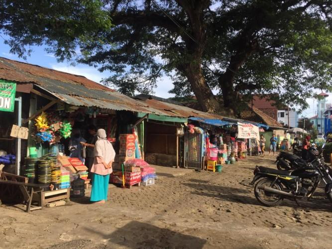 Imbas Korona, Pedagang Sekitar RSUDAM Keluhkan Sepi Pembeli