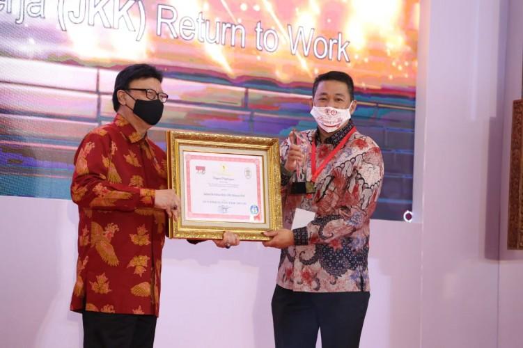 Implementasi JKK-RTW BPKamostek Kembali Diganjar Penghargaan