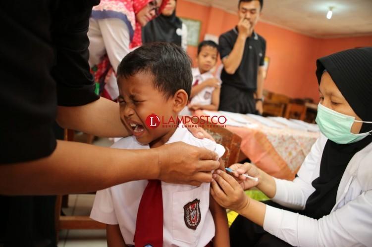 Imunisasi MR di Lampung Sukses