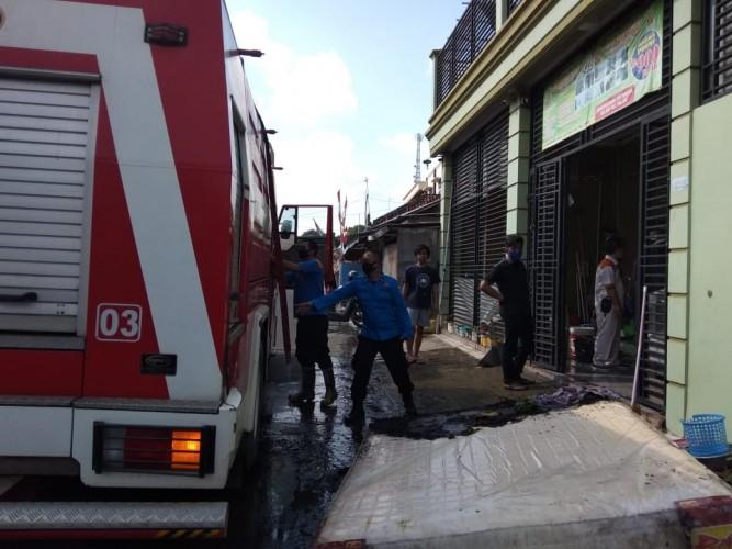 Indekos di Jalan Rajabasa Metro Nyaris Ludes Terbakar