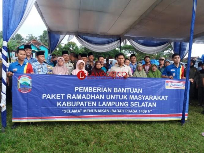 Indomaret Bagikan 250 Paket Ramadan di Lampung Selatan