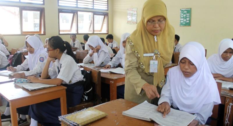 Indonesia Masih Kekurangan 1,3 Juta Guru PNS