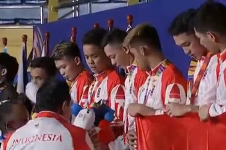 Indonesia Rebut Emas Bulu Tangkis Beregu Putra SEA Games