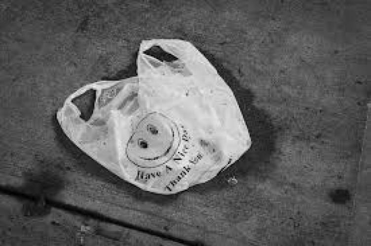 Industri Tolak Penerapan Cukai Kantong Plastik