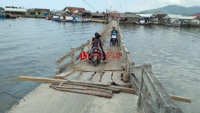 Ini Faktor Ambrolnya Jembatan Pulau Pasaran
