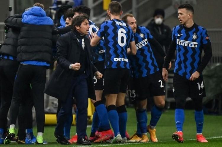 Inter Milan Merangsek ke Puncak Klasemen