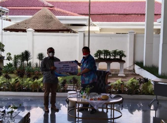IPC Pelindo Serahkan Bantuan 1.000 Karung Beras untuk Warga Lampung