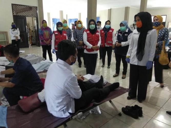 Jaga Stok Darah, PMI Pesawaran Himpun Donor Darah di OPD