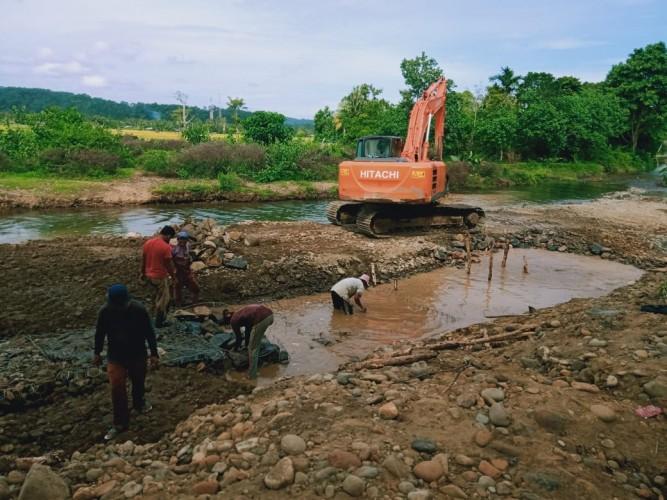 Jaksa Belum Bisa Periksa Pembangunan Bronjong yang Dikeluhkan Warga Pesisir Barat