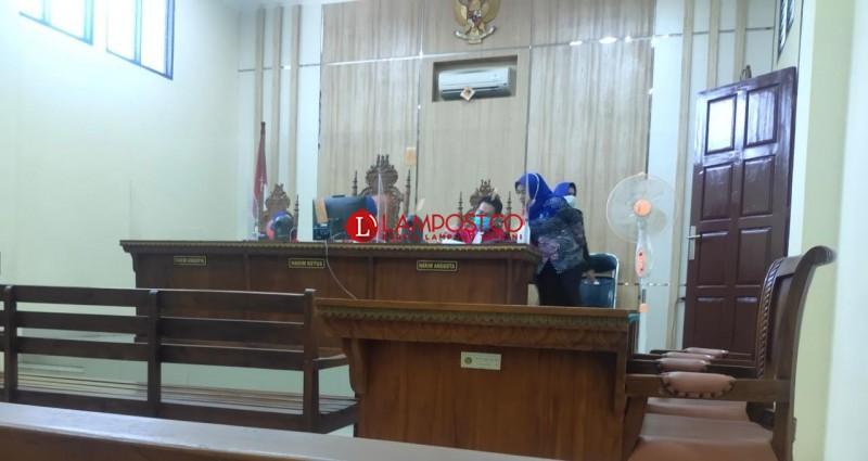 Jaksa Belum Siap, Sidang Tuntutan Eks Istri Andhika Kangen Band Ditunda