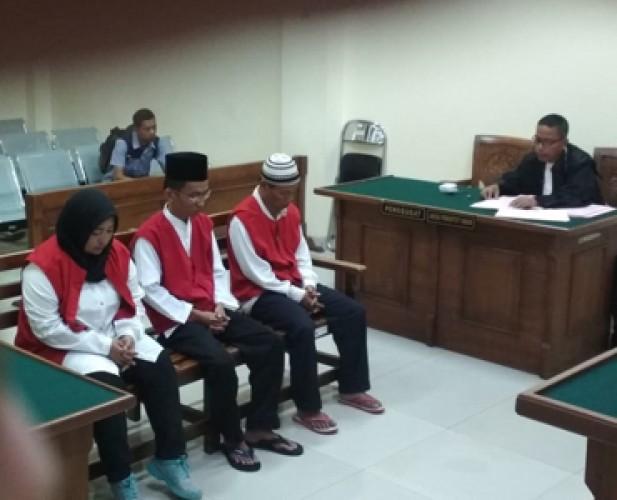 Jaksa Tuntut Berbeda Tiga Terdakwa Padepokan Nyi Blorong
