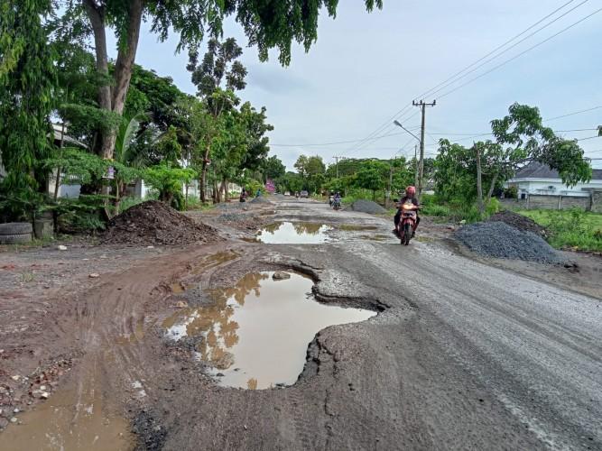 Jalan Budi Utomo yang RusakMulai Diperbaiki