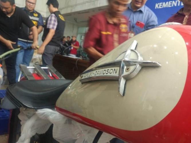 Jalan Cerita Harley-Davidson dalam Pesawat Garuda