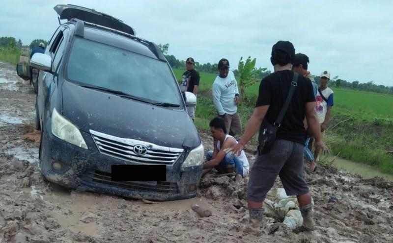 Jalan di Rawajitu Utara Mayoritas Rusak