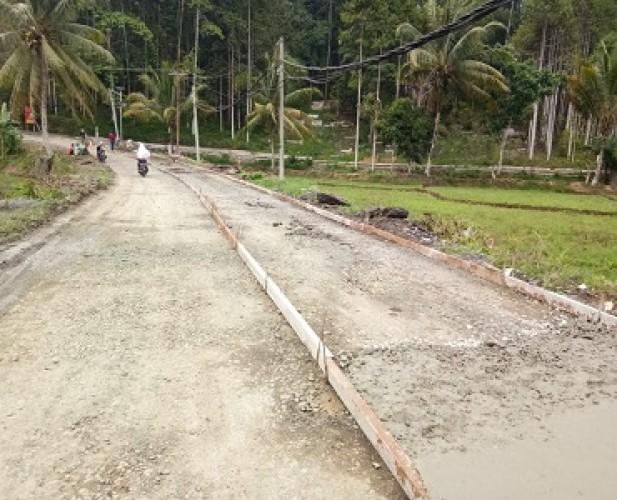 Jalan Penghubung 2 Kecamatan di Pesisir Barat Dibangun Tanpa Plang