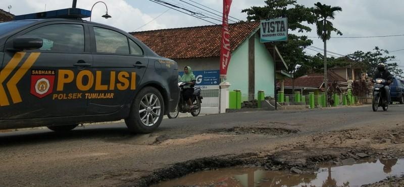 Jalan Provinsi di Tulangbawang Barat Perlu Perbaikan