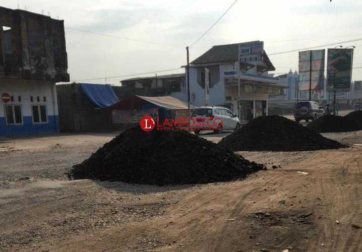 Jalan Rusak di Mulya Asri Akhirnya Diperbaiki