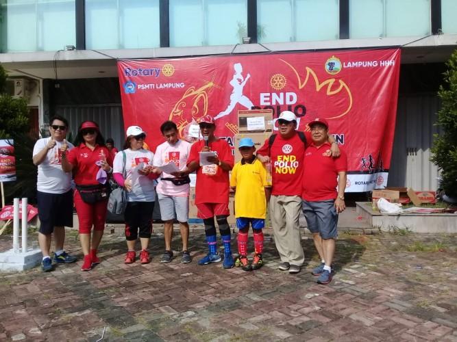 Jalan Sehat Rotary Kampanyekan Akhiri Polio