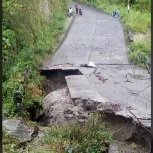 Jalan Way Robok Mulai Diperbaiki Secara Darurat