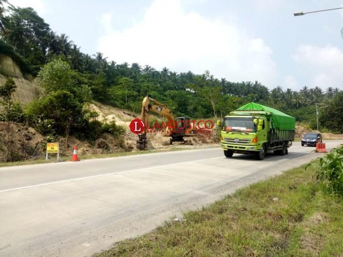 Jalinsum Longsor di Desa Hatta Mulai Diperbaiki