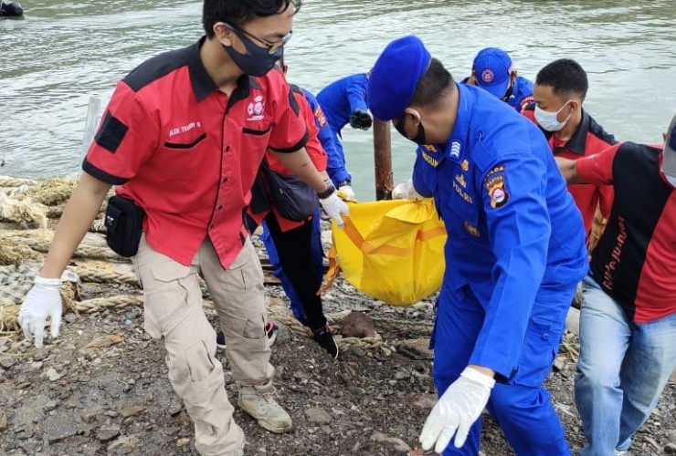 Jasad Kelasi KMP Mabuhay Nusantara Ditemukan di Merak