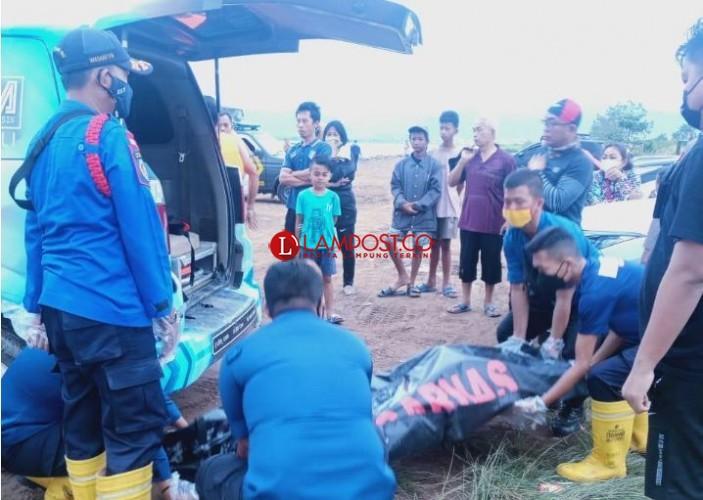 Jasad Sakel Ditemukan di Bibir Pantai Pesisir Sukaraja
