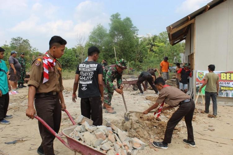 Jelang Hut TNI, Kodim 0426 Bangun Rumah Warga