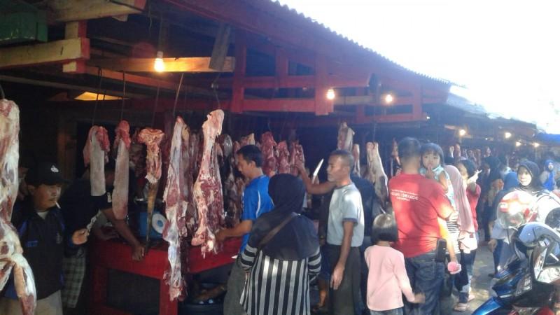 Jelang Puasa, Daging Sapi di Lampura Capai Rp130 Ribu/Kg