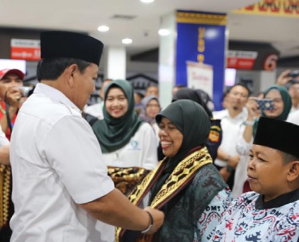 Jemaah Umrah Langsung Terbang ke Jeddah dari Bandara Raden Intan