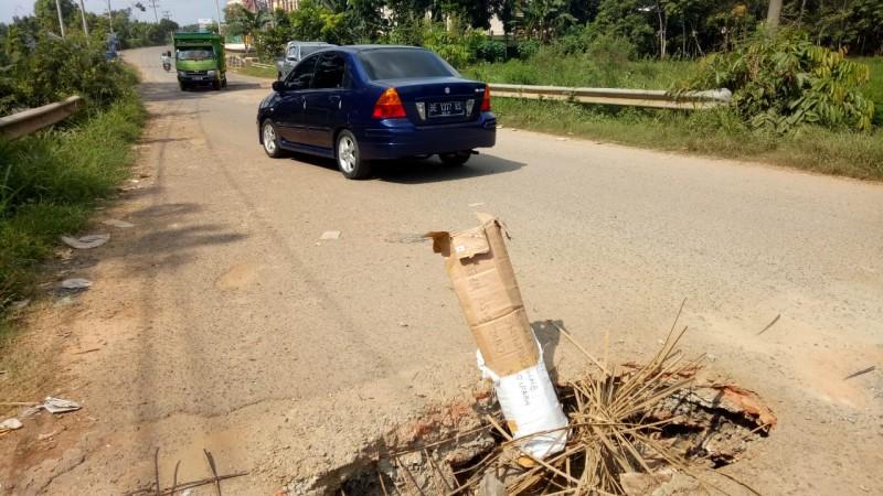 Jembatan di Jalan Cukul Subroto Amblas, Pengendara Harus Ekstra Hati-hati