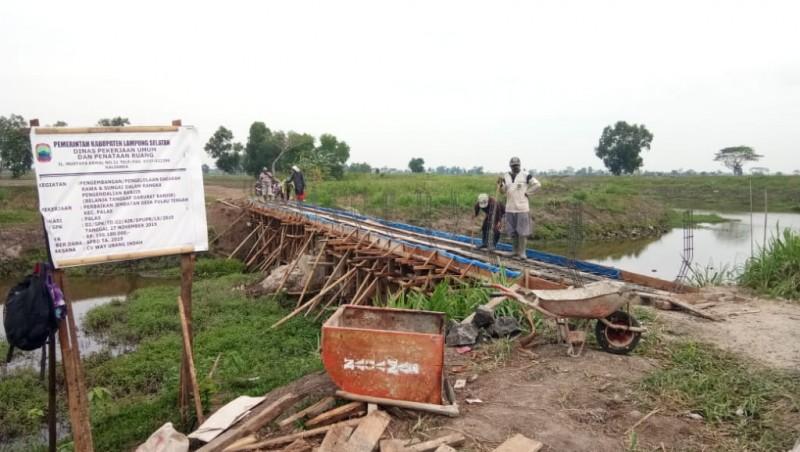 Jembatan Pulautengah Diperbaiki Pakai Dana Tanggap Darurat