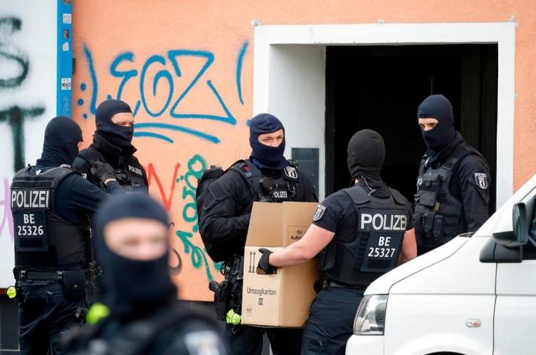 Jerman Dakwa 12 Orang atas Rencana Menyerang Masjid