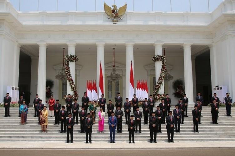 Jokowi Curhat Sulitnya Pilih 34 Menteri dari 300 Calon